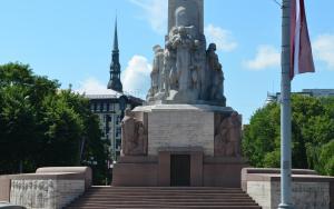 Bībele un latviešu klasiskā dzeja